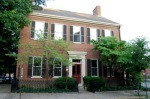 The Ridgely House: The oldest house around the park, the Ridgely House was built circa 1794 by Dr. Frederick Ridgely, who delivered the first medical lectures in the West at Transylvania University. Mary Todd Lincoln also went to school here when it was used as Ward's Academy around 1831.