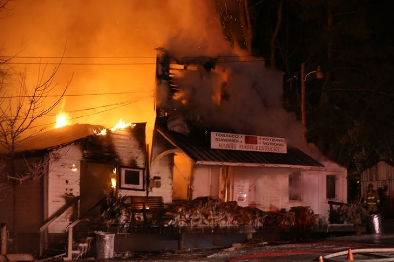 rabbit hash general store in kentucky destroyed by fire
